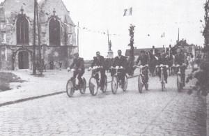 defilé dans Aix- Noulette à vélo
